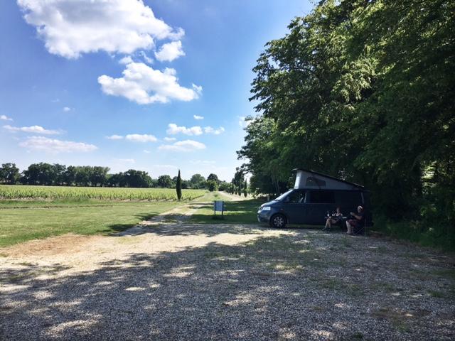 Aire camping-car à Blanquefort (33290) - Photo 3